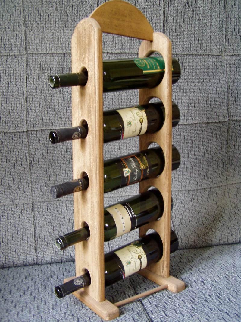 Stojan na víno - pět lahví