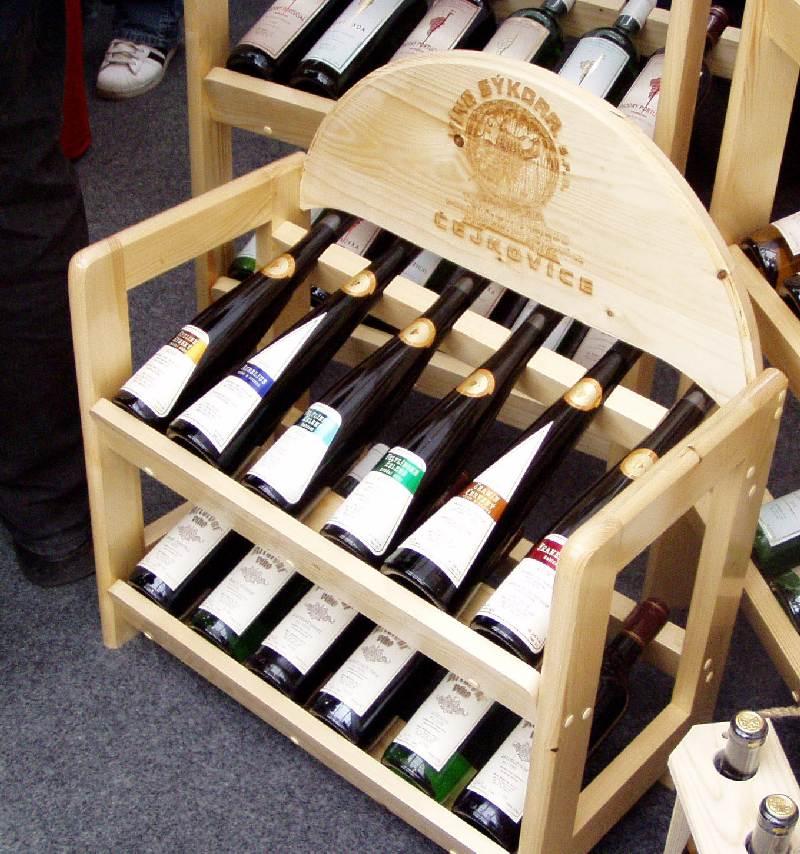Stojan na víno prezentační