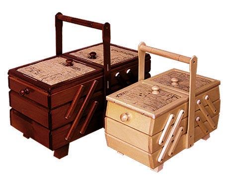 PL REGÁLY Dřevěná skříňka na šití - velká