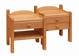 Døevìný noèní stolek z masivu