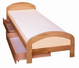 Døevìná postel Jakub  s ratanem  - zvìtšit obrázek